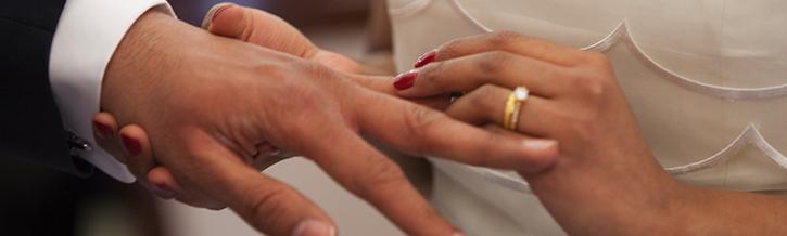 Kan een paragnost helpen bij het plannen van mijn trouwdag